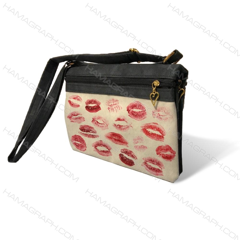 کیف دوشی زنانه با طرح kiss marked - کیف زنانه طرح عشق